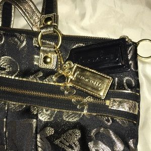 Coach Bags - Large Coach Poppy Tote-bag, Black/shimmery gold